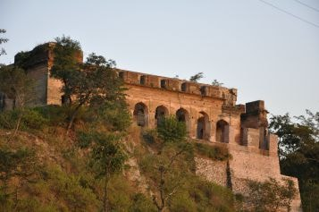 Sujanpur Tihra fort